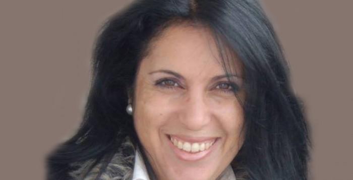 Πολιτικός σεισμός στη Μύκονο από άρθρο της δημοσιογράφου Ελένης Κοντιζά