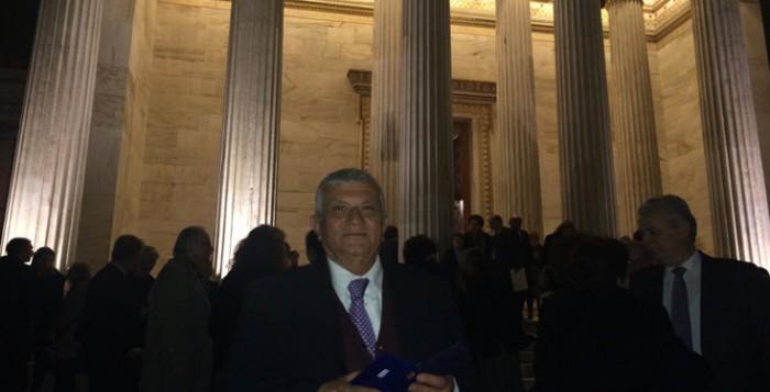 Σπουδαία τιμητική διάκριση για τον πολιτισμό της Μυκόνου η απονομή του μετάλλιου της Ακαδημίας Αθηνών στον συμπατριώτη μας  Παναγιώτη Κουσαθανά