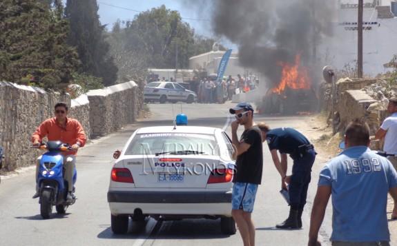 Στις φλόγες τυλίχθηκε ΙΧ - Κλειστός για περίπου μισή ώρα ο δρόμος του Πλατύ Γιαλού
