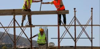 Μέτρα-ανάσα για την αγορά ακινήτων και την οικοδομή