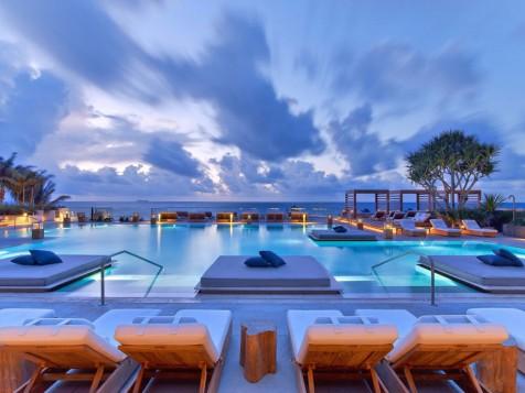 Νέα ξενοδοχεία και δεκάδες επαύλεις πήραν το «πράσινο φως»