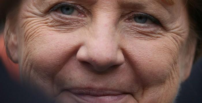 Μέρκελ: Ξεχάστε τα ταξίδια στην Ευρώπη - Διακοπές μόνο στη Γερμανία