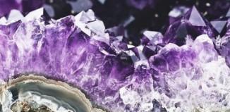 Τα κρυσταλλικά ελιξήρια και οι θετικές ιδιότητες τους στη ζωή μας