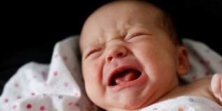 Έντονο κλάμα στα βρέφη