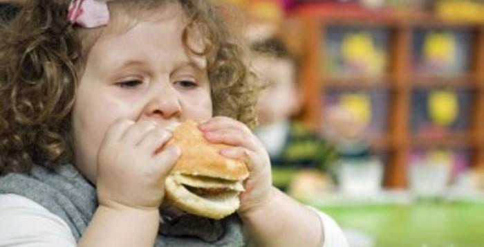 Η παιδική παχυσαρκία στο στόχαστρο του υπουργείου Υγείας