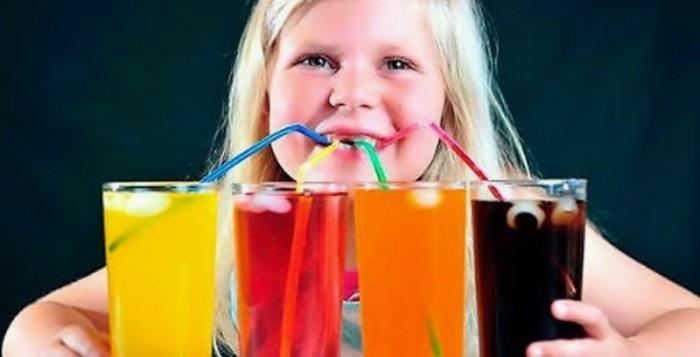Συσκευασμένοι χυμοί η πιο επικίνδυνη τροφή για την υγεία των παιδικών δοντιών