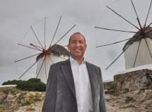 Ο Δημήτρης Λυκούρης από τη Μύκονο, υποψήφιος στο πλευρό του Γιώργου Χατζημάρκου