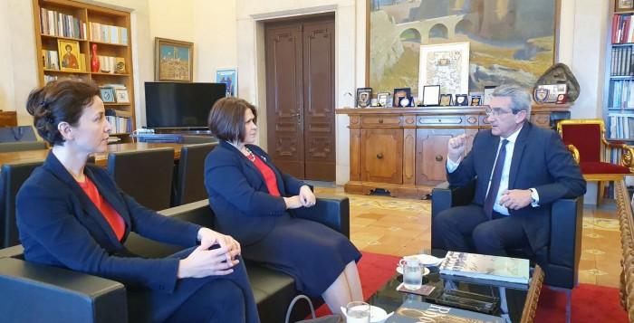 Συνάντηση του Περιφερειάρχη με την Πρέσβη της Σλοβακίας  Ελλάδα, Iveta Hricova