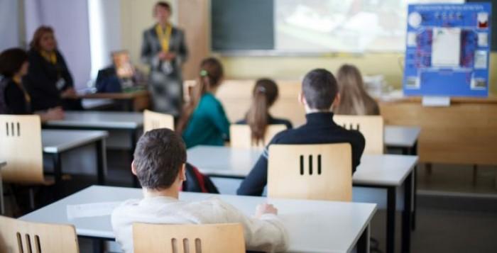 Κορωνοϊός : Τι προβλέπει η νέα ΚΥΑ για τη λειτουργεία των σχολείων από Δευτέρα