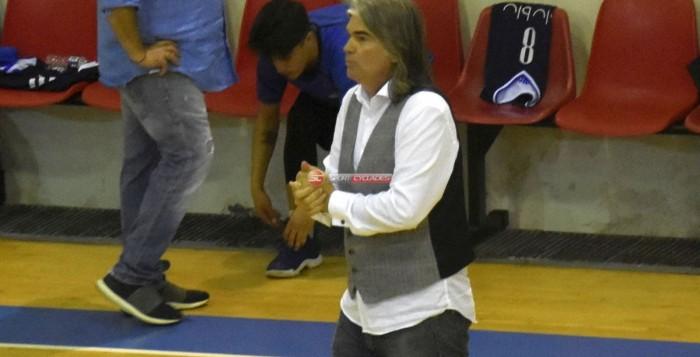 Μπάσκετ: Ανανέωσε με τον προπονητή Θανάση Δελαπάσχο ο Α.Ο. Μυκόνου