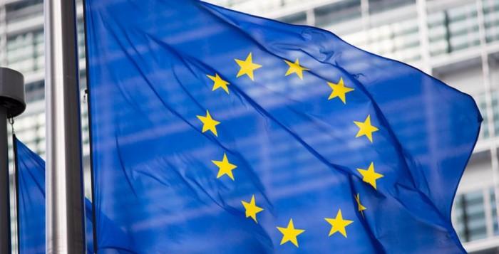 Κομισιόν: Προωθεί σχέδιο 2 τρισ. ευρώ για την ανάκαμψη της οικονομίας