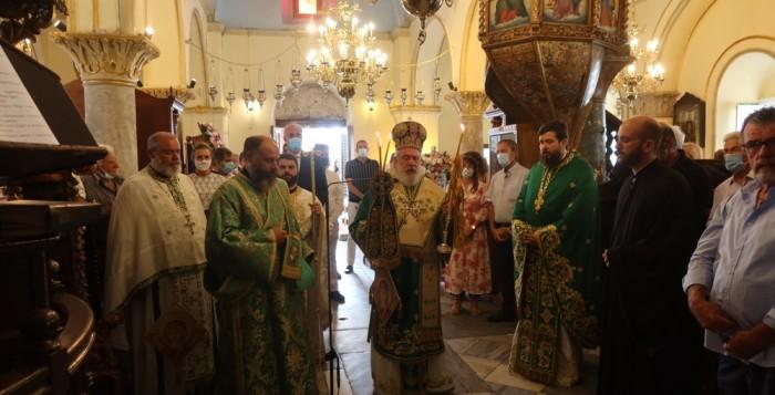 Εν πληθούση εκκλησία οι Μυκόνιοι εόρτασαν την απόδοση της Κοιμήσεως της Θεοτόκου