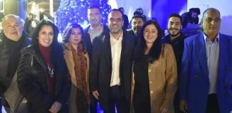 (vid&pics)Το Χριστουγεννιάτικο Δέντρο φώτισε την πλατεία της Άνω Μεράς