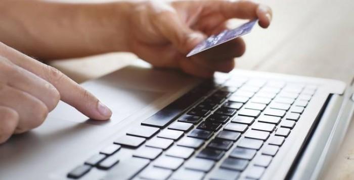 ΙΕΛΚΑ : Παγιώνονται οι οnline αγορές – Σε ποια προϊόντα στρέφονται οι καταναλωτές