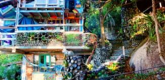 Νέα τάση στην Airbnb για σπίτια από ανακυκλώσιμα υλικά