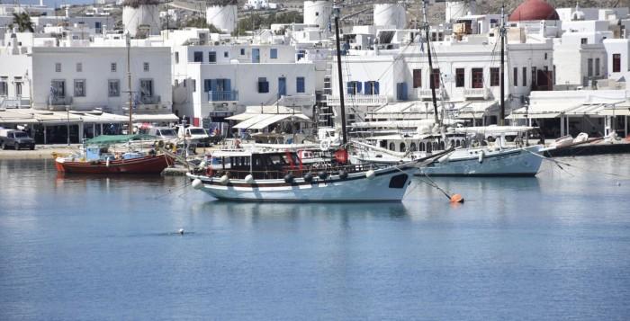 Bloomberg: Η επιτυχής διαχείριση του κορονοϊού από την ελληνική κυβέρνηση ανταμείβεται