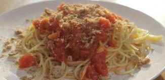 Η συνταγή της ημέρας: Σκορδομακάρονα με μόστρα