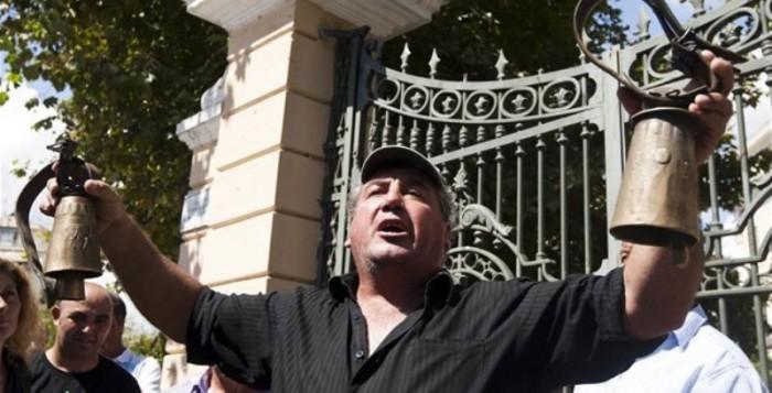 Κτηνοτρόφοι από όλη τη χώρα διαδηλώνουν στην Αθήνα