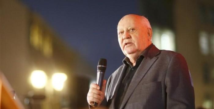 Γκορμπατσόφ: Ο κόσμος βρίσκεται στα πρόθυρα ενός νέου Ψυχρού Πολέμου
