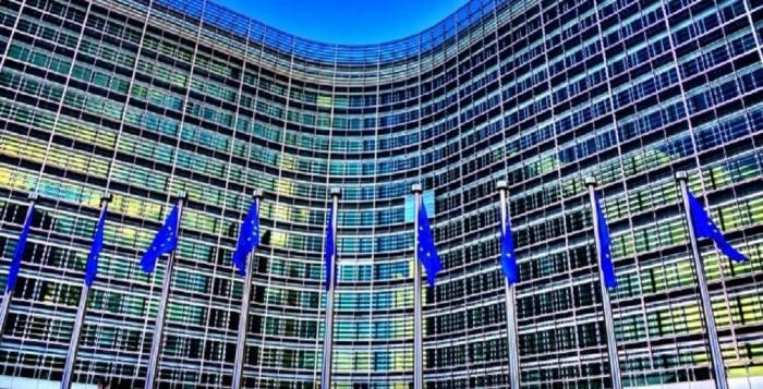 Bloomberg: Σχέδιο ύψους 2 τρισ. ευρώ προτείνει η Κομισιόν για την οικονομική ανάκαμψη