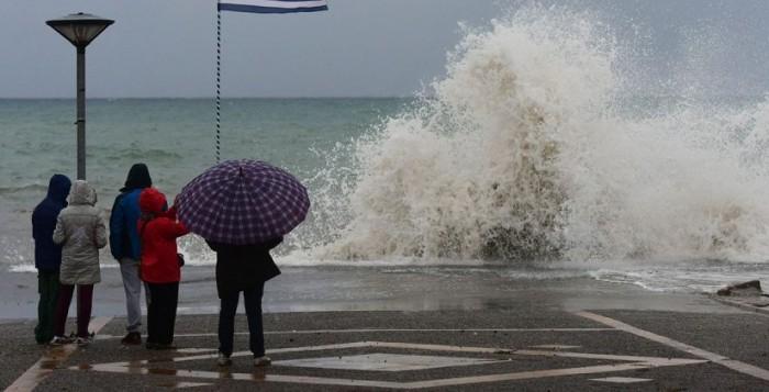 Κυκλάδες: Έρχονται βροχές και θυελλώδεις άνεμοι