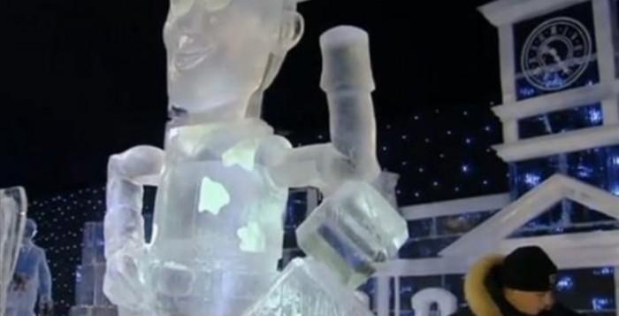 Βέλγιο:Γλυπτά από πάγο αναπαριστούν ήρωες της Disney