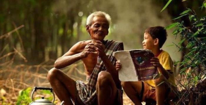 Ο Γέρος και το Χωριό – Πως να είσαι Χαρούμενος