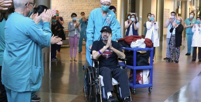 Σώθηκε από τον κορωνοϊό αλλά κόντεψε να... πεθάνει με τον λογαριασμό του νοσοκομείου – Πάνω από ένα εκατομμύριο δολάρια