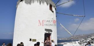(pics) Μικροί και μεγάλοι απόλαυσαν την Γιορτή του Τρύγου στο Μύλο του Μπόνη