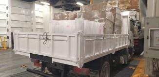 Μεγάλο φορτίο υγειονομικού υλικού μεταφέρεται στα νησιά του Νοτίου Αιγαίου