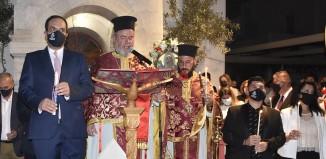 (pics&vid) Χριστός Ανέστη! Φωτογραφίες από την Ανάσταση στον Μητροπολιτικό Ναό Μυκόνου