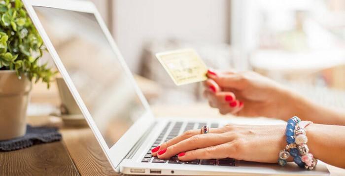 Online αγορές: Τι ψωνίζουμε από τα ηλεκτρονικά καταστήματα στο lockdown