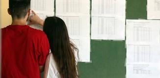 Πανελλαδικές 2020: Πτώση βάσεων σε νομικές και ιατρικές σχολές, σύμφωνα με τις πρώτες εκτιμήσεις