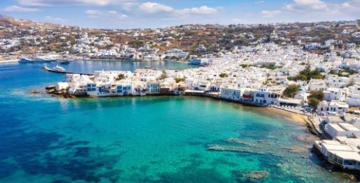 To σχέδιο για το άνοιγμα του τουρισμού και την υγειονομική ενίσχυση των νησιών