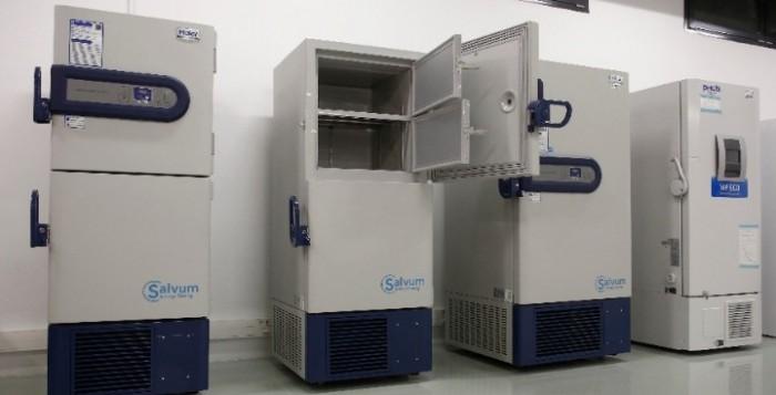 Ήλθαν στην Ελλάδα τα ψυγεία που θα αποθηκευθούν τα εμβόλια