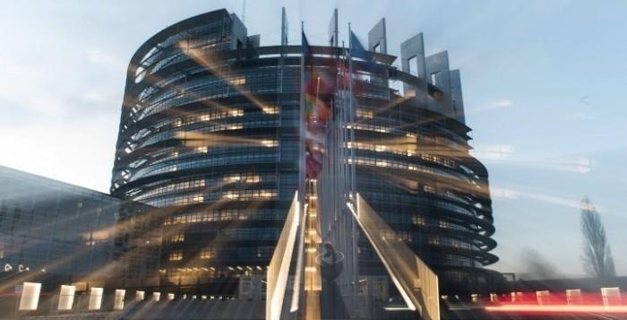 Ευρωκοινοβούλιο: Ψηφίστηκαν τρία μέτρα στήριξης για την αντιμετώπιση του κορονοϊού