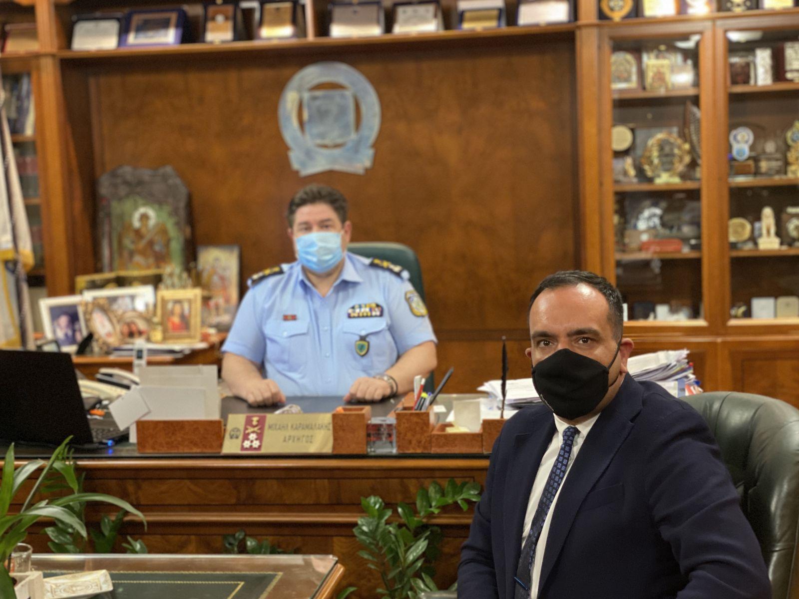 Ειδικά κλιμάκια στο νησί και ενίσχυση των αστυνομικών δυνάμεων μετά την σημερινή συνάντηση Κουκά με τον αρχηγό της ΕΛΑΣ