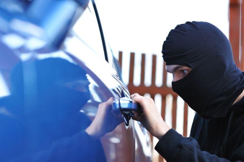 Εξιχνιάστηκαν επτά διαρρήξεις αυτοκινήτων στη Μύκονο