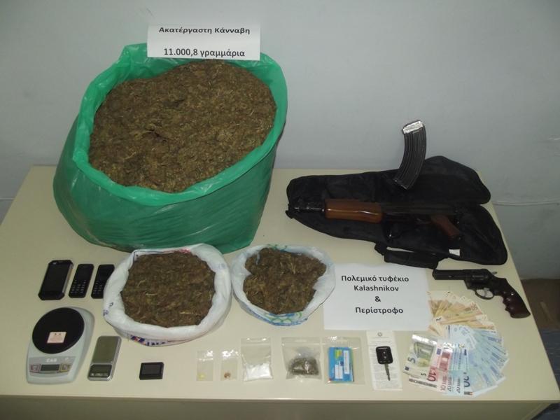 Συνέληφθη 34χρονος για διακίνηση ναρκωτικών και παράνομη οπλοκατοχή