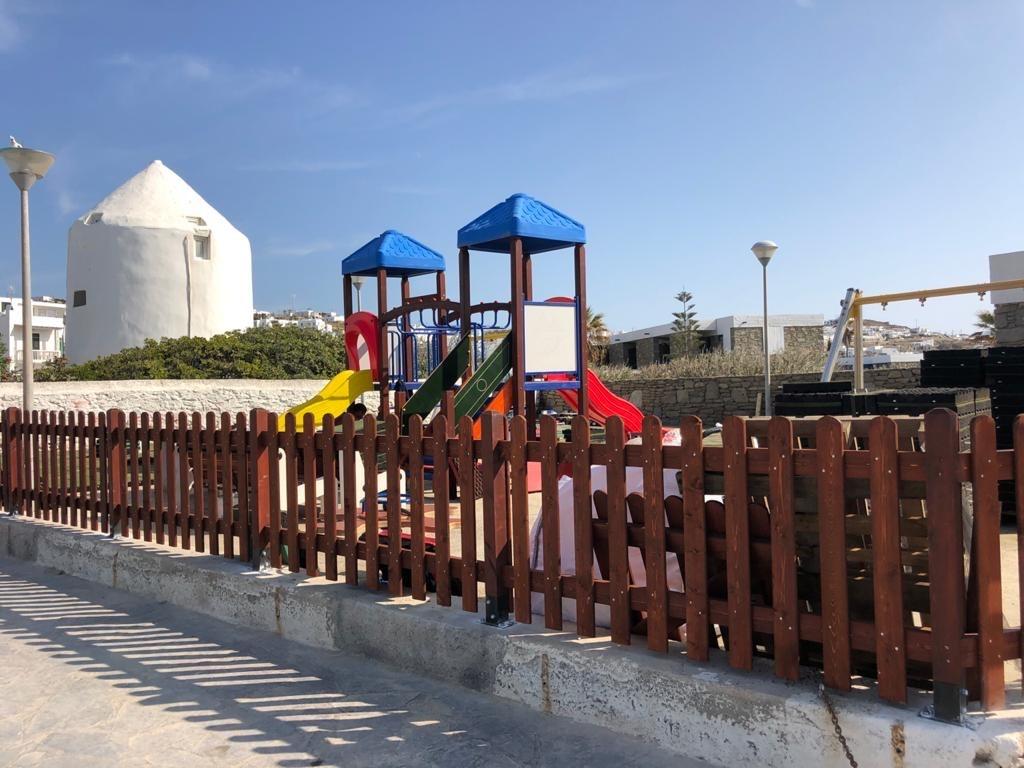 Ο Δήμος Μυκόνου ανακατασκευάζει και αναβαθμίζει τρεις  παιδικές χαρές του νησιού