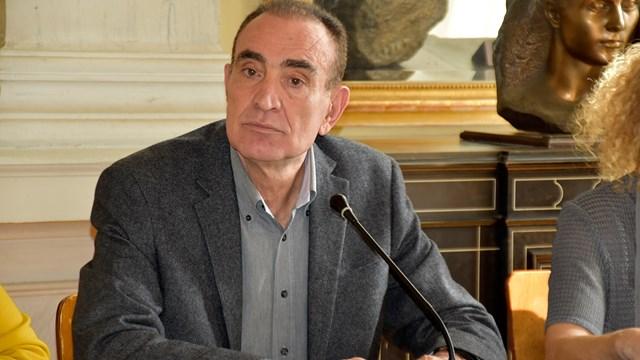 Δήμαρχος Σύρου: «Δεν χρειάζεται πανικός, αλλά σύνεση, υπευθυνότητα και ψυχραιμία»