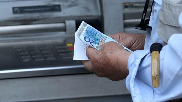 Προκαταβολή σύνταξης: Οι οφειλές στα Ταμεία «μπλοκάρουν» την υποβολή αιτήσεων - Τι εξετάζει το υπουργείο Εργασίας
