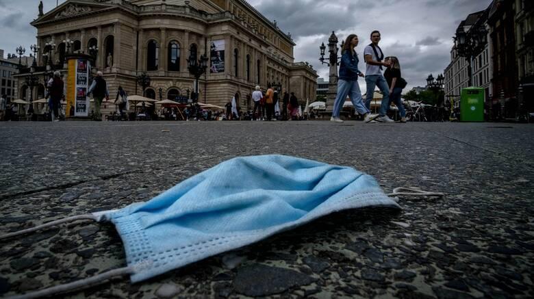 Διαδηλώσεις κατά της μάσκας: Πίσω από τα επιχειρήματα, πολλές ψευδείς πληροφορίες