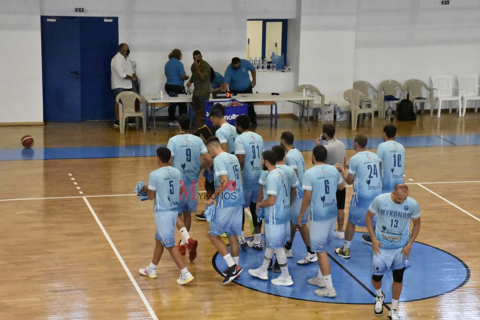 Οι καλαθοσφαιριστές του Α.Ο. Μυκόνου ευχαρίστησαν τη διοίκηση