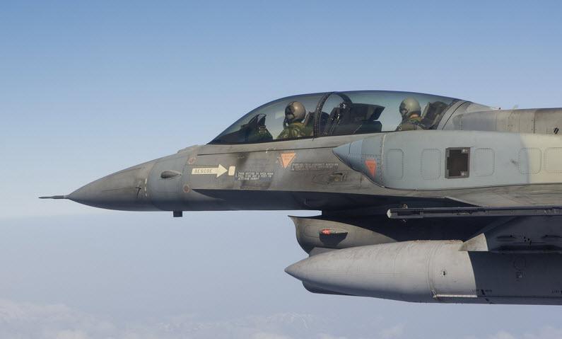 Kατέπεσε F16 νότια της Κρήτης - Σώοι οι πιλότοι