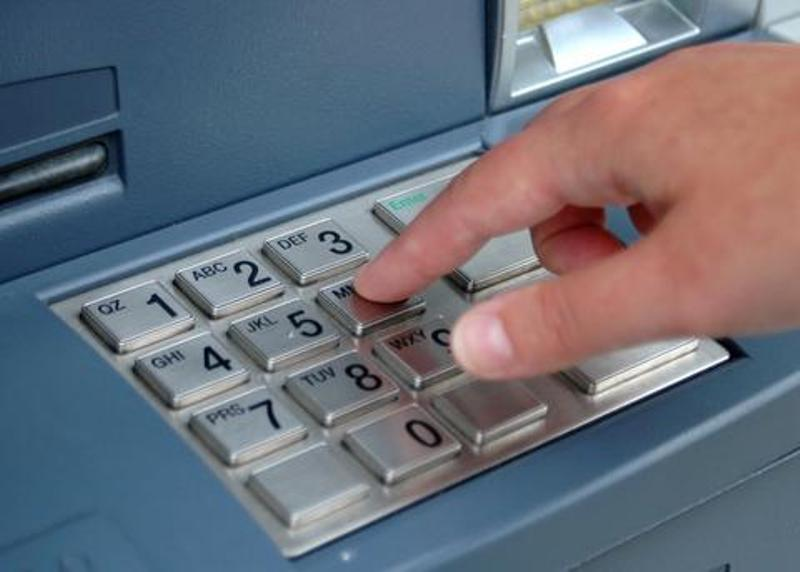 Πότε θα αρθούν τα capital controls - Τι ανέφερε ο Υπ. Οικονομικών Γ. Χουλιαράκης