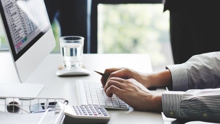 Έναρξη επιχείρησης με ένα email ή βιντεοκλήση