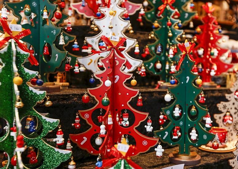 Τα 21 μέτρα για τη στήριξη της αγοράς εργασίας: Τι ισχύει για δώρο Χριστουγέννων, αναστολές και έκτακτο βοήθημα