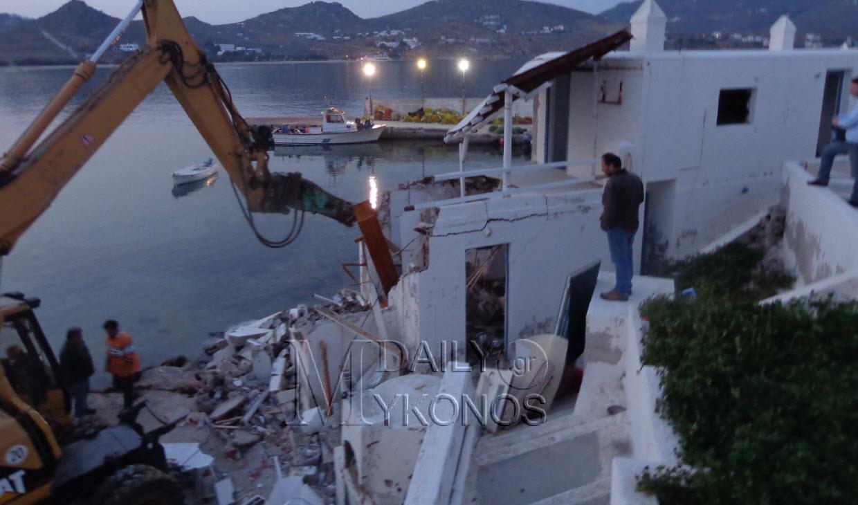 Χαρακτηριστικό VIDEO από την επιχείρηση κατεδάφισης μέχρι αργά χθες βράδυ στα Διβούνια