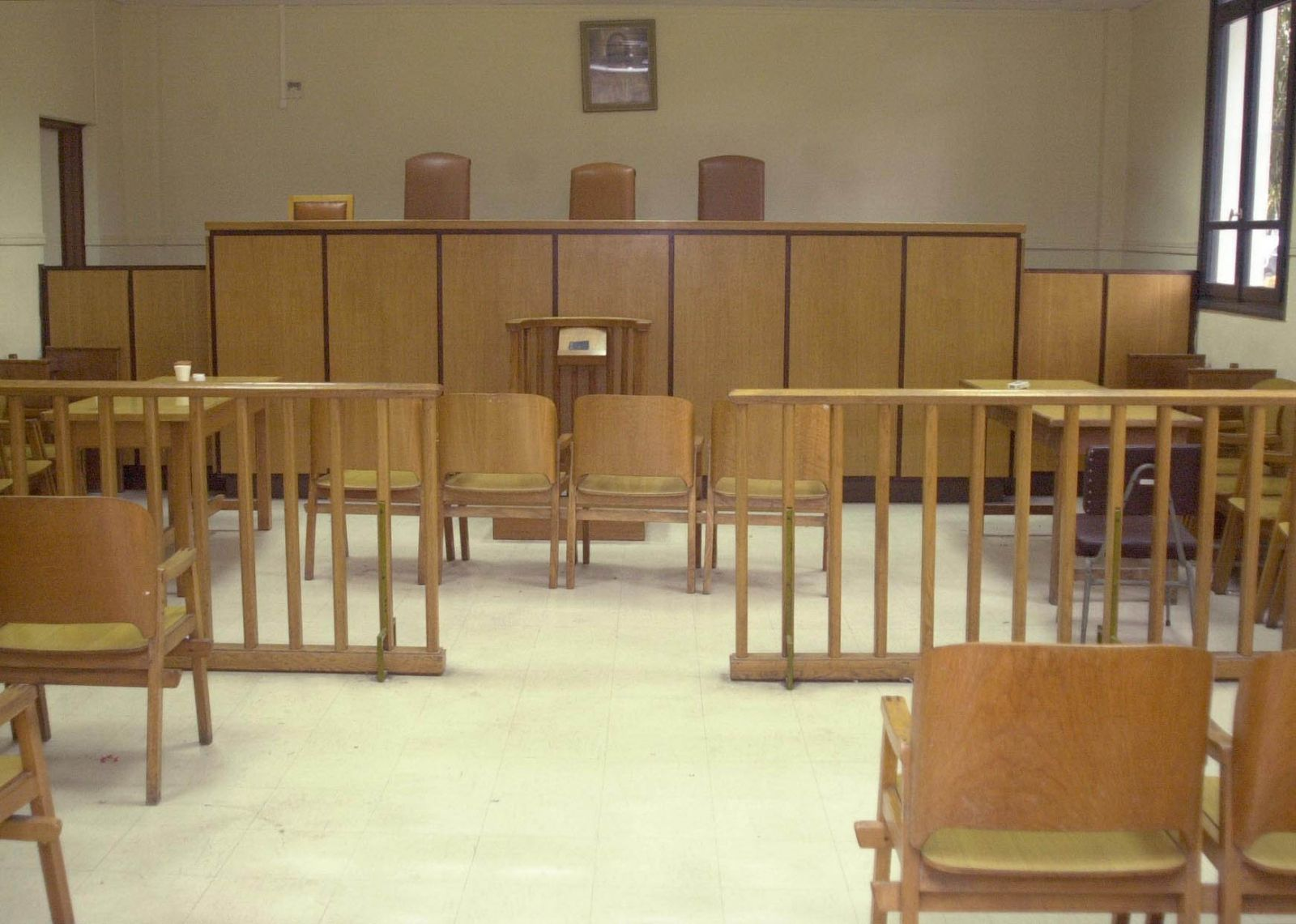 Σε 21 χρόνια κάθειρξη καταδικάστηκαν ο διευθυντής και ο υποδιευθυντής της Πολεοδομίας Σύρου - Βαριά ποινή και σε Μυκονιάτη αρχιτέκτονα